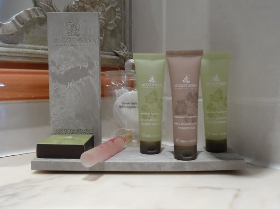 Hotel Residence Henri 4 : Excellent selection of toiletries