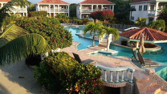 Belizean Shores Resort: View from our balcony