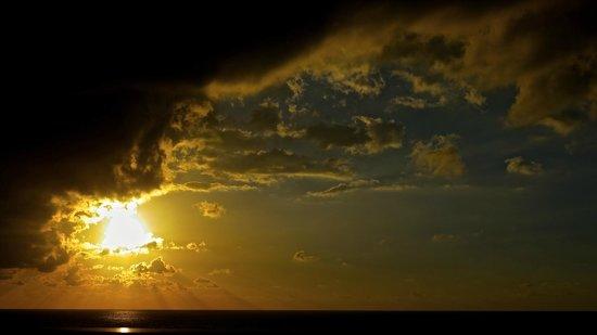 Live Aqua Beach Resort Cancun: Sunrise!