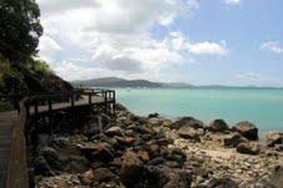 Seabreeze Tourist Park Airlie Beach: Airlie Beach bicentennial walkway