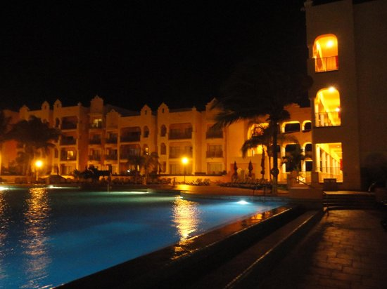 The Royal Haciendas All Suites Resort & Spa: It's beautiful in the evening