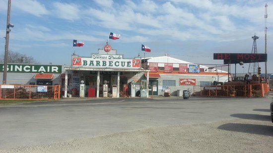 Texas Pride Barbecue: From the parking lot