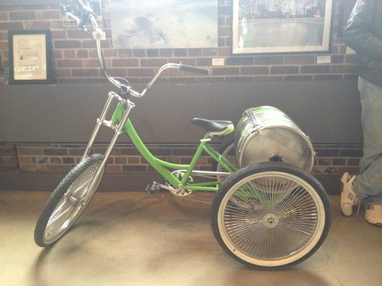 Steam Whistle Brewery : cool tricycle