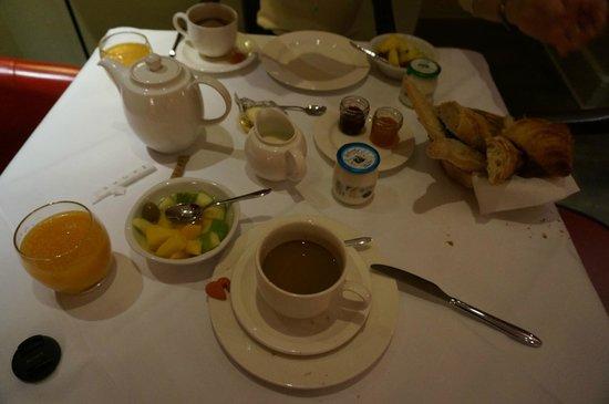 Hotel Sainte Beuve: 朝食