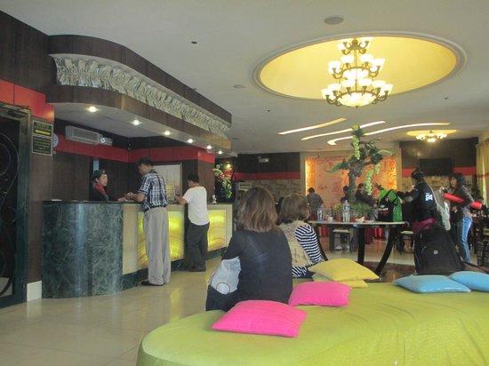 Eurotel Makati Hotel: Lobby