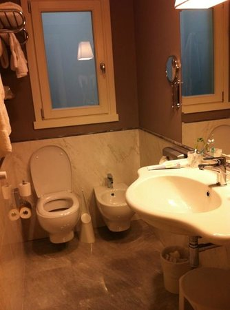 Hotel Rapallo: great bathroom
