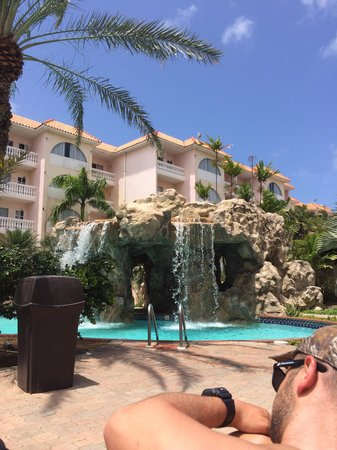 Tropicana Aruba Resort & Casino : Waterfall pool