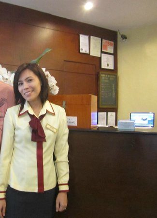 New Horizon Hotel: Ms Rhoda receptionist