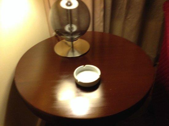 Ascott Makati: Executive Suites are smoking rooms