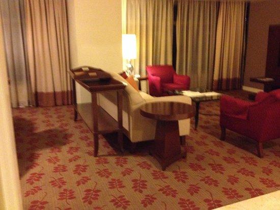 Ascott Makati: Spacious Living Room