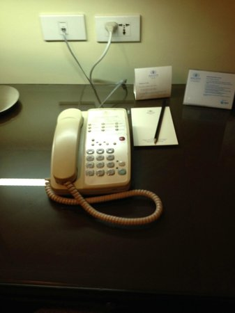 Ascott Makati : Phone did not work