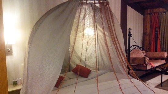 Honeymoon Inn Manali : HSR room bed