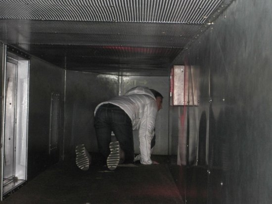 International Spy Museum: you can crawl through a vent if you choose