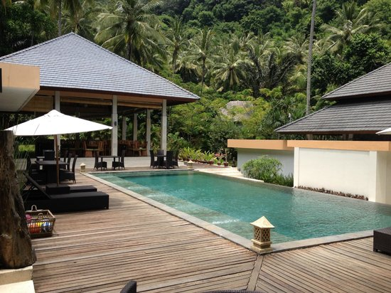 Kebun Villas & Resort: Another pool next to the restaurant