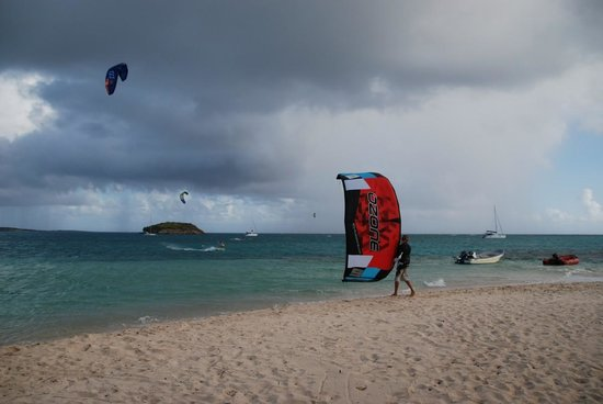 40Knots Kitesurfing & Windsurfing School Antigua: The rains roll in