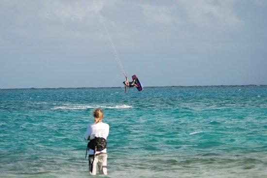 40Knots Kitesurfing & Windsurfing School Antigua : Kara (air) and Chris