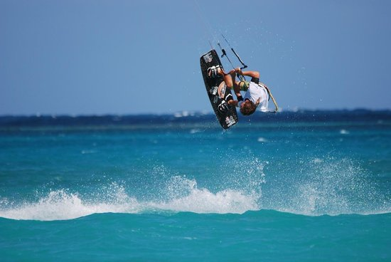 40Knots Kitesurfing & Windsurfing School Antigua: Ask for Tom if you want to learn to fly