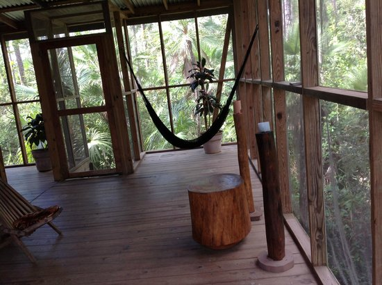 Belize Zoo Jungle Lodge/Tropical Education Center: Tree House porch front screen door at TEC