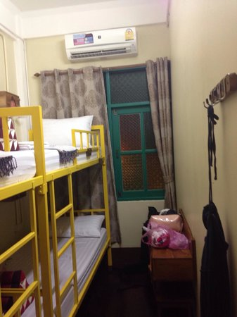 Baan Bovorn Khaosan : Aircon worked great