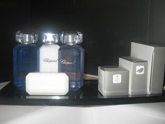 Maison Albar Hotel Opera Diamond, BW Premier Collection: Toiletries
