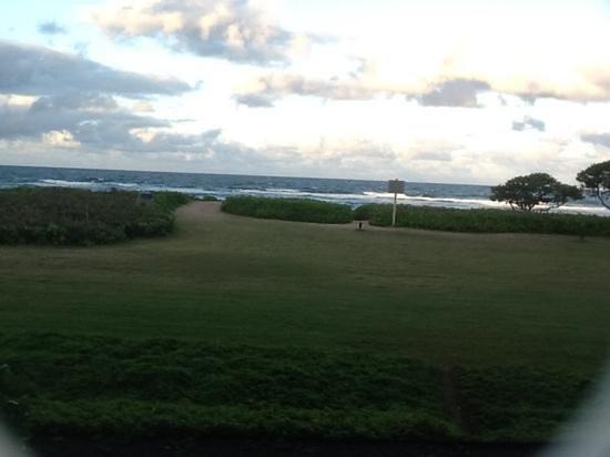 Kauai Beach Villas: taken at 6.23 pm from our lanai