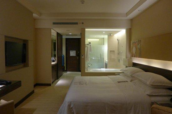 Sheraton Nha Trang Hotel and Spa: Comfy room