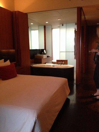 Anantara Chiang Mai Resort: View from window towards bathroom