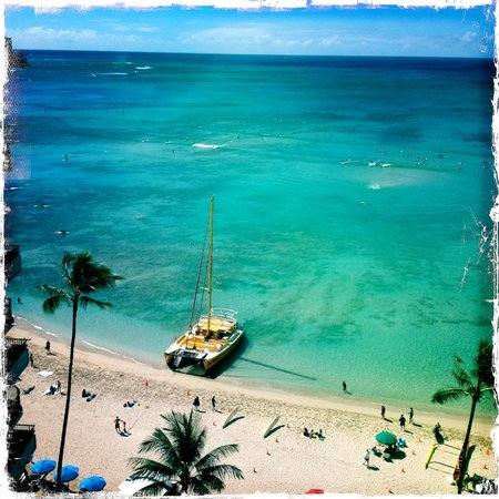 Outrigger Waikiki Beach Resort: View from our hotel