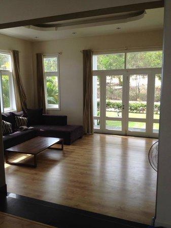 Villa Panda: Living room