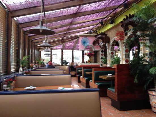 Frontera Grill: Colorful and comfortable!