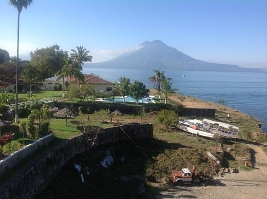 Tzanjuyu Bay Hotel : lake atitlan