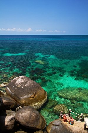 Charm Churee Villa: จากห้องมองออกไปเห็นวิวทะเล