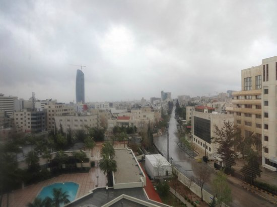 Amman Marriott Hotel : dreary/cold  day
