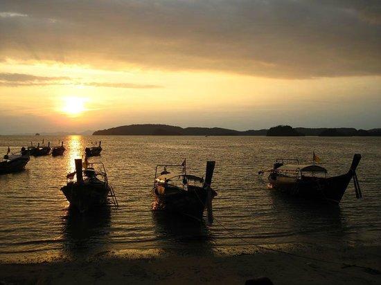 Aonang Villa Resort: закат