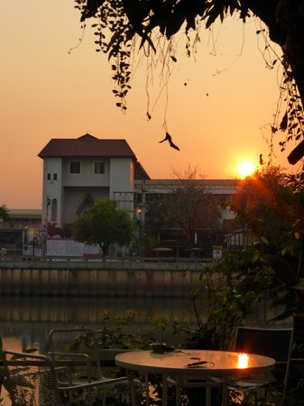 Galare Guest House : Mooie zonsopgang