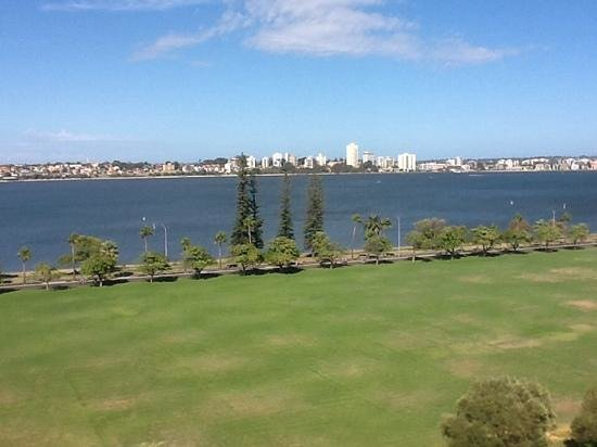 Crowne Plaza Perth: our view room 1001