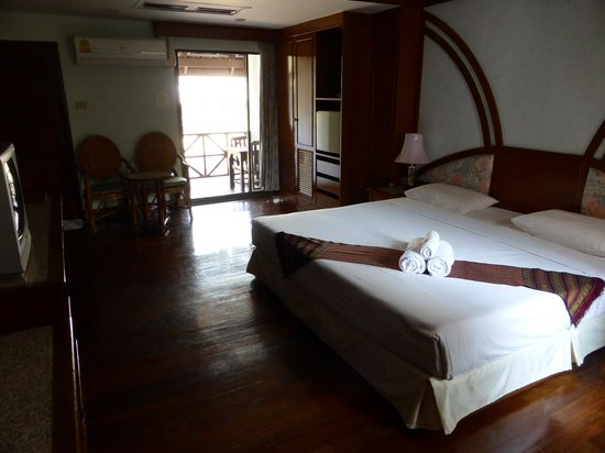 Royal Ping Garden & Resort: Propere, ruime kamer