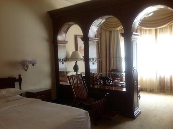 Hotel Continental Saigon: chambre 111