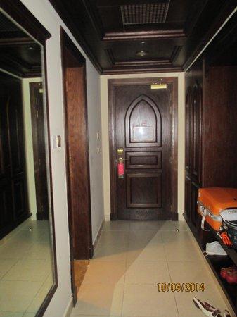 Miramar Al Aqah Beach Resort: холл