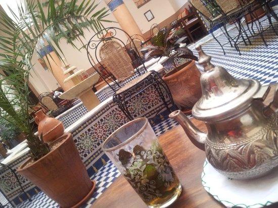 Riad Ahlam: Tea