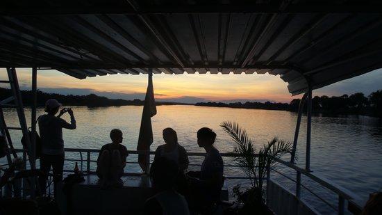Victoria Falls Waterfront: River cruise on the Makumbi
