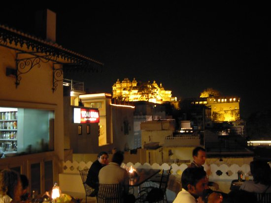 Jaiwana Haveli Roof Top Restaurant: Evening View from Rooftop