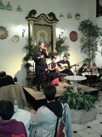 Patio de la Juderia: Flamenco show