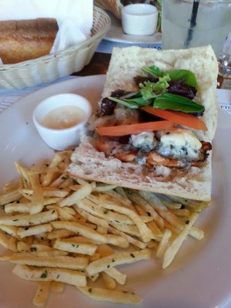 Gamine: Chicken burger with Roquefort cheese...  Filling,  but not satisfying.