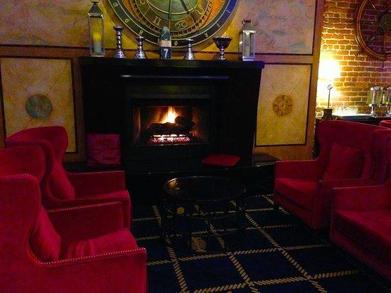 Argonaut Hotel, A Noble House Hotel: Fireplace