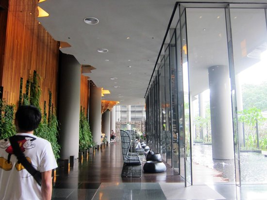 PARKROYAL on Pickering: lobby