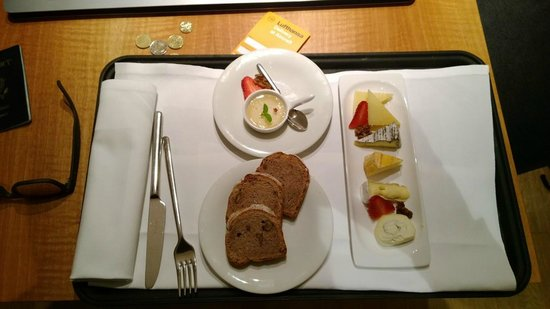 Augarten Art Hotel : House made cheese and bread