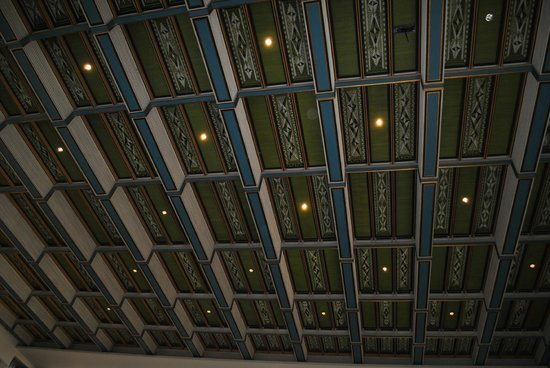 Rathaus (Oslo Radhus): City Hall in a sunny day... ceiling... each room has a different pattern