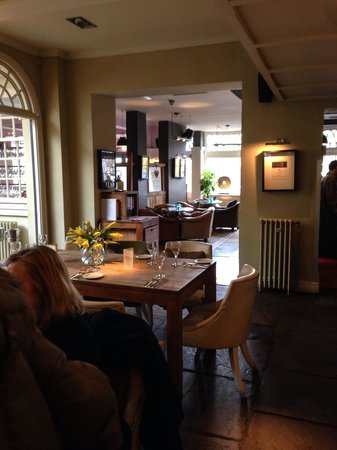 Freemasons Arms: Part view of the dining area