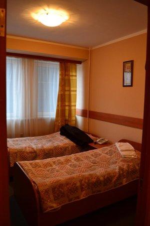"""Hotel Molodyozhny : Номер """"молодежный"""""""